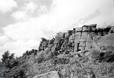 Brimham Rocks, Escarpment